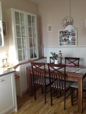 Vianoce 2012 :) pribudli dvierka, novy stol, obrazy....este by to chcelo nove stolicky