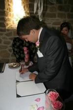 Podpis ženicha - stále Mareček.