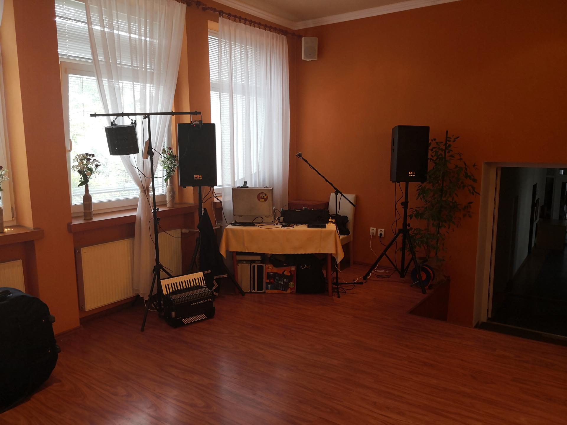 webmaster - Reštaurácia FLASH Nitra