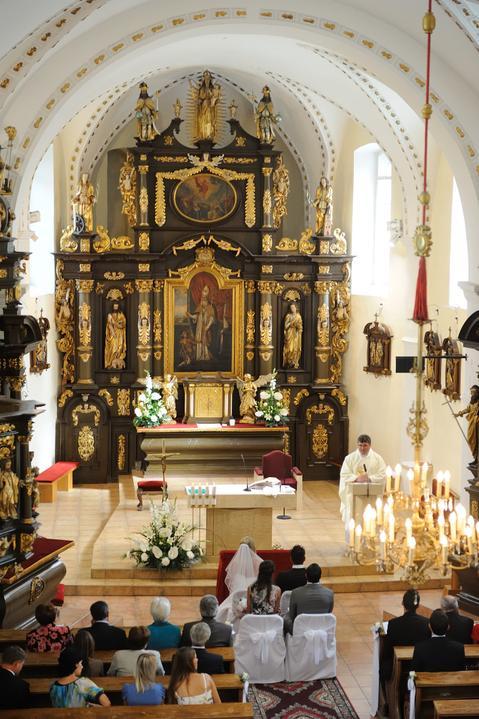 Lenka Bartova{{_AND_}}Aniello Ruggieri - kostol naozaj pekny..