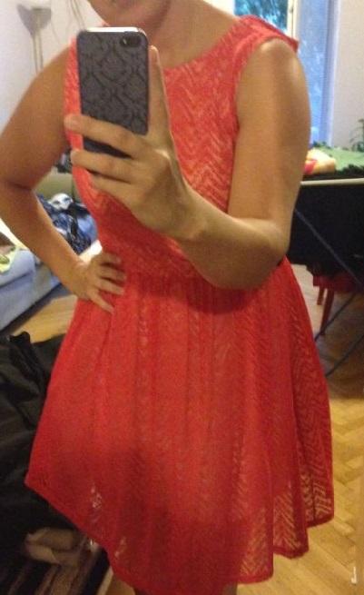 červené koktejlové šaty - Obrázok č. 1