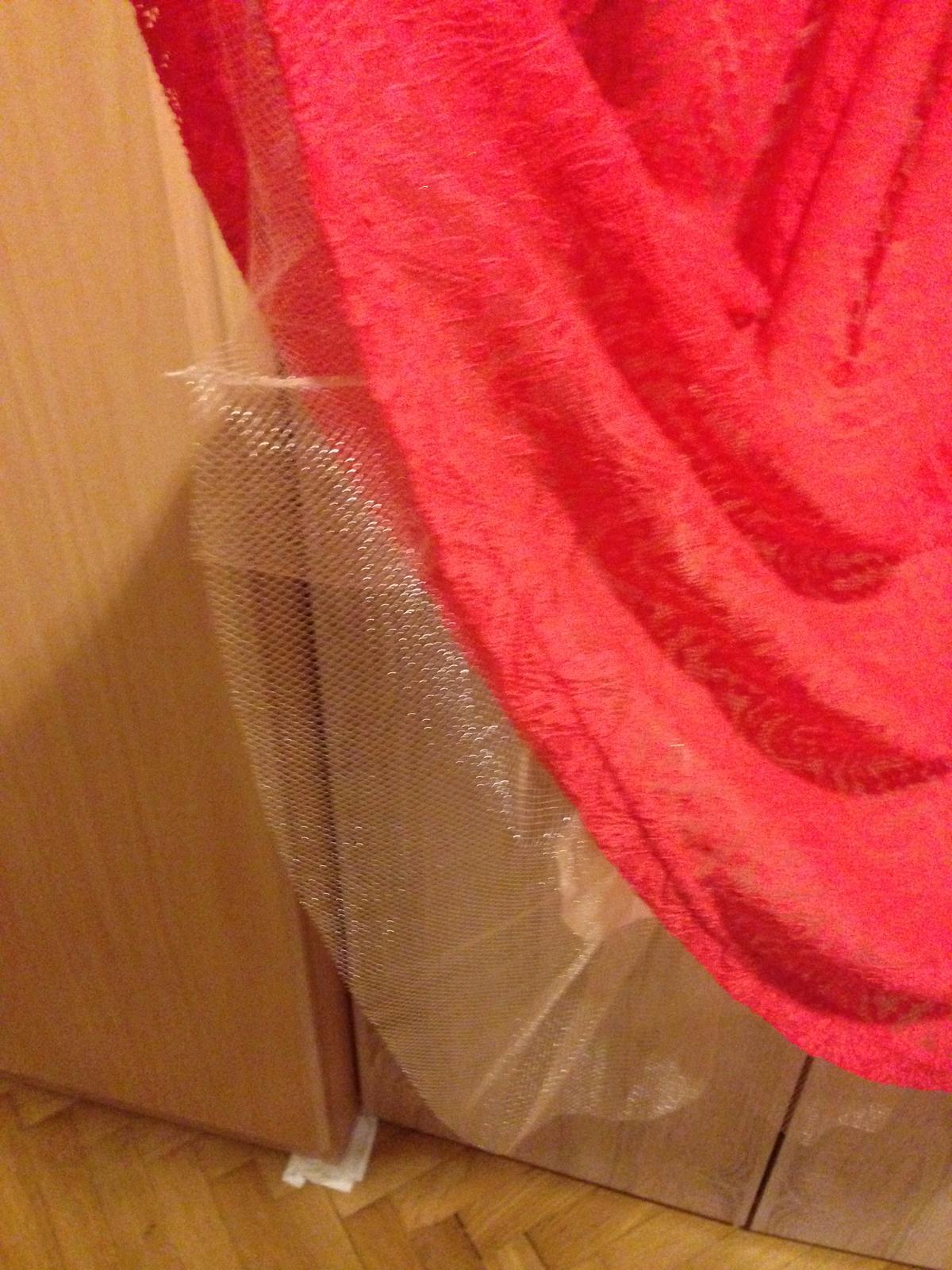 červené koktejlové šaty - Obrázok č. 2