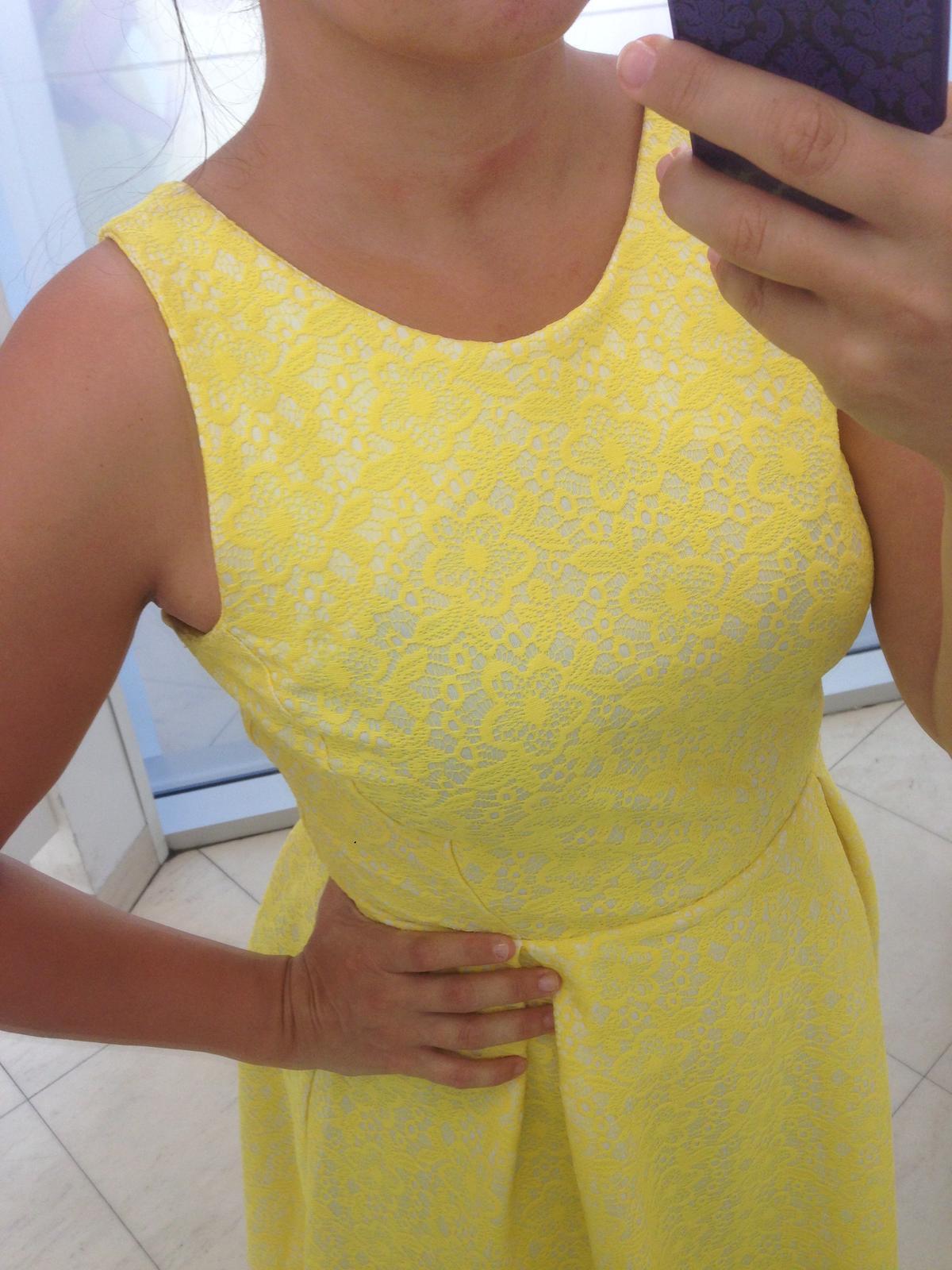 Žiarivé šaty - Obrázok č. 2