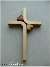 Krížik už je od kňaza povolený, že čo sa páči nám a tento konkrétny má krásnu manželskú tematiku :)))