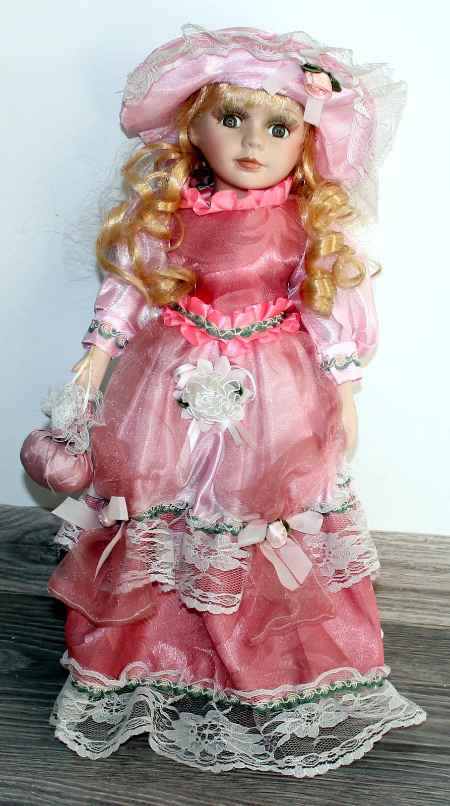 Výstavná bábika - Obrázok č. 1