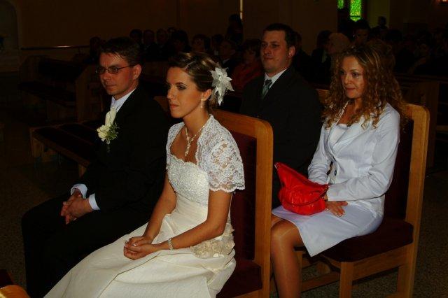 Miruška{{_AND_}}Mariánko - so svedkami v kostole