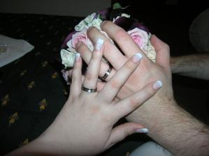 naše prstýnky, moje nehtíky a kyti