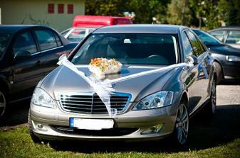 Naše požičané svadobné autíčko :)