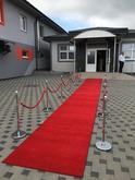 Červený koberec, hotelové zábrany