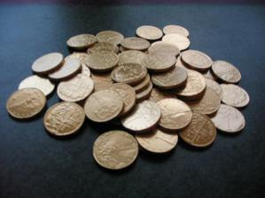na stůl pro svatebčany - prý aby se nás držely peníze :o)
