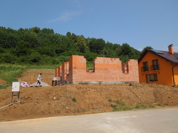 Náš chalupársky sen (Alfa 105) - 7.7.2012 konečne sa to začína črtať :-)