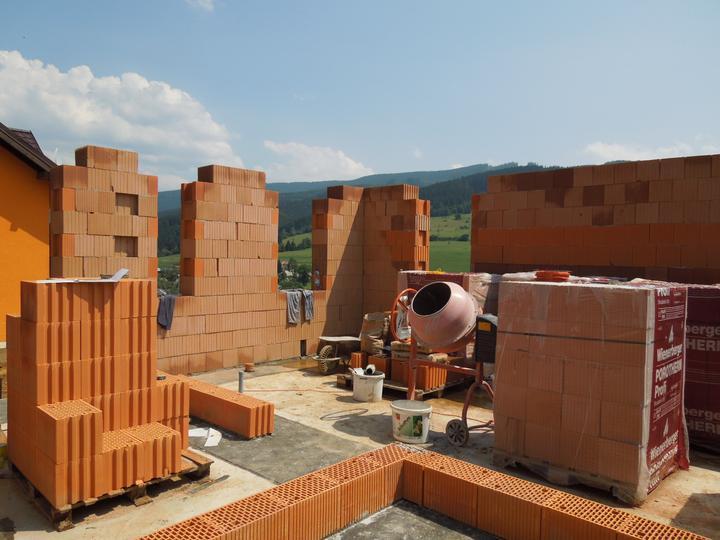 Náš chalupársky sen (Alfa 105) - 7.7.2012 pohľad na budúcu kychyňu a obývačku