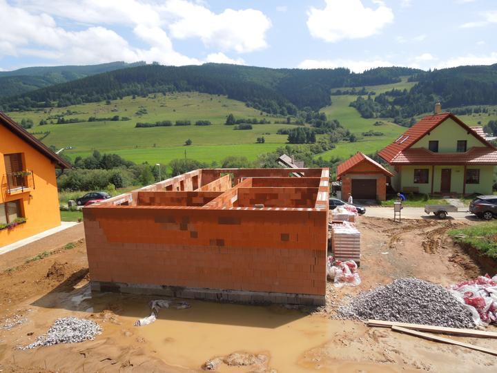 Náš chalupársky sen (Alfa 105) - 14.7.2012 kľudne by sme si mohli otvoriť bahenné kúpele :-)