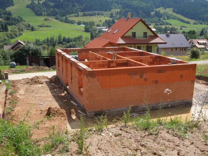 Náš chalupársky sen (Alfa 105) - 14.7.2012 naše bludisko-mravenisko