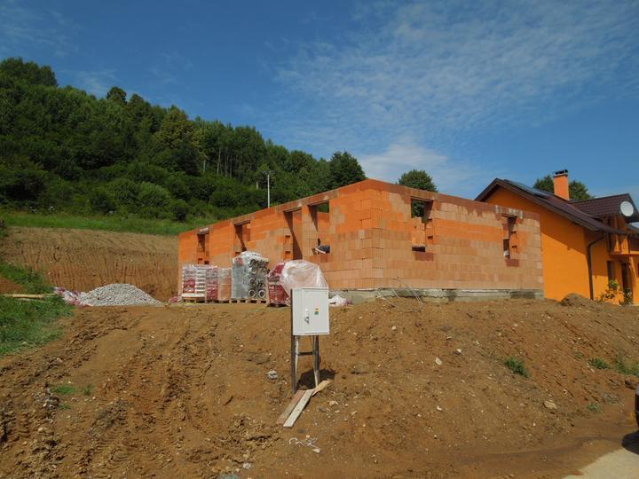 Náš chalupársky sen (Alfa 105) - 14.7.2012 strana od západu (terasa)