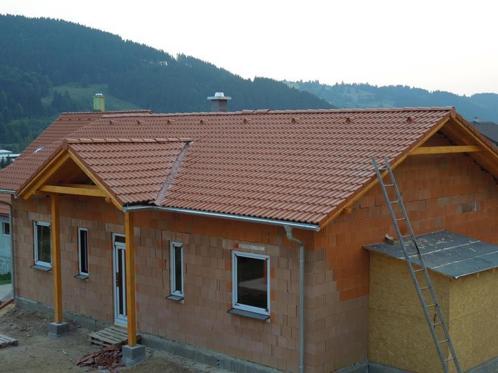 Náš chalupársky sen (Alfa 105) - 2.9.2012 konečne dorobená aj strecha :-)