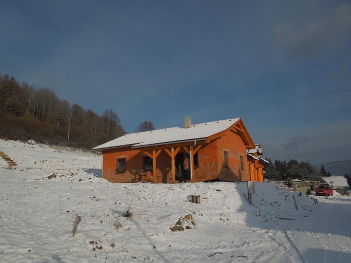 Náš chalupársky sen (Alfa 105) - 5.12.2012 prisnežilo :-)