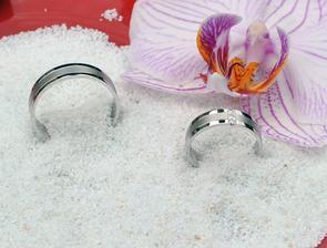 naše krásné prstýnky, pořád se na ně nemůžu vynadívat :)