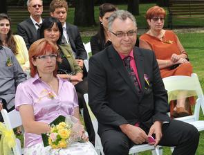 maminka a tatínek ženicha