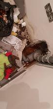 Voda unika z odpadu. Urobil som chybu, pred zaliatim podlahy som neotestoval tesnosť odpadu...