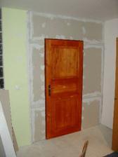 Osadene namorene dvere - este treba nalakovat
