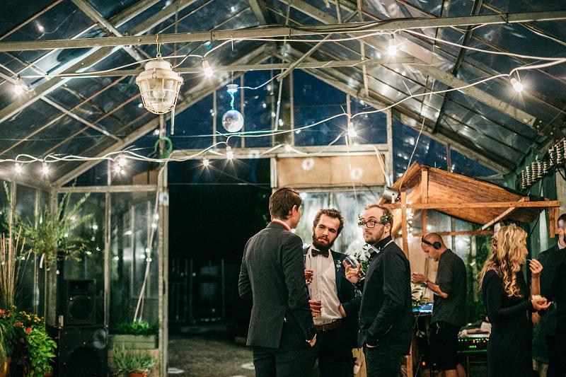 Minulý rok som bol priateľom na krásnej svadbe - v skleníku. Zážitok naživo aj na fotkách :-) http://www.petermeciar.sk/n-j - Obrázok č. 2