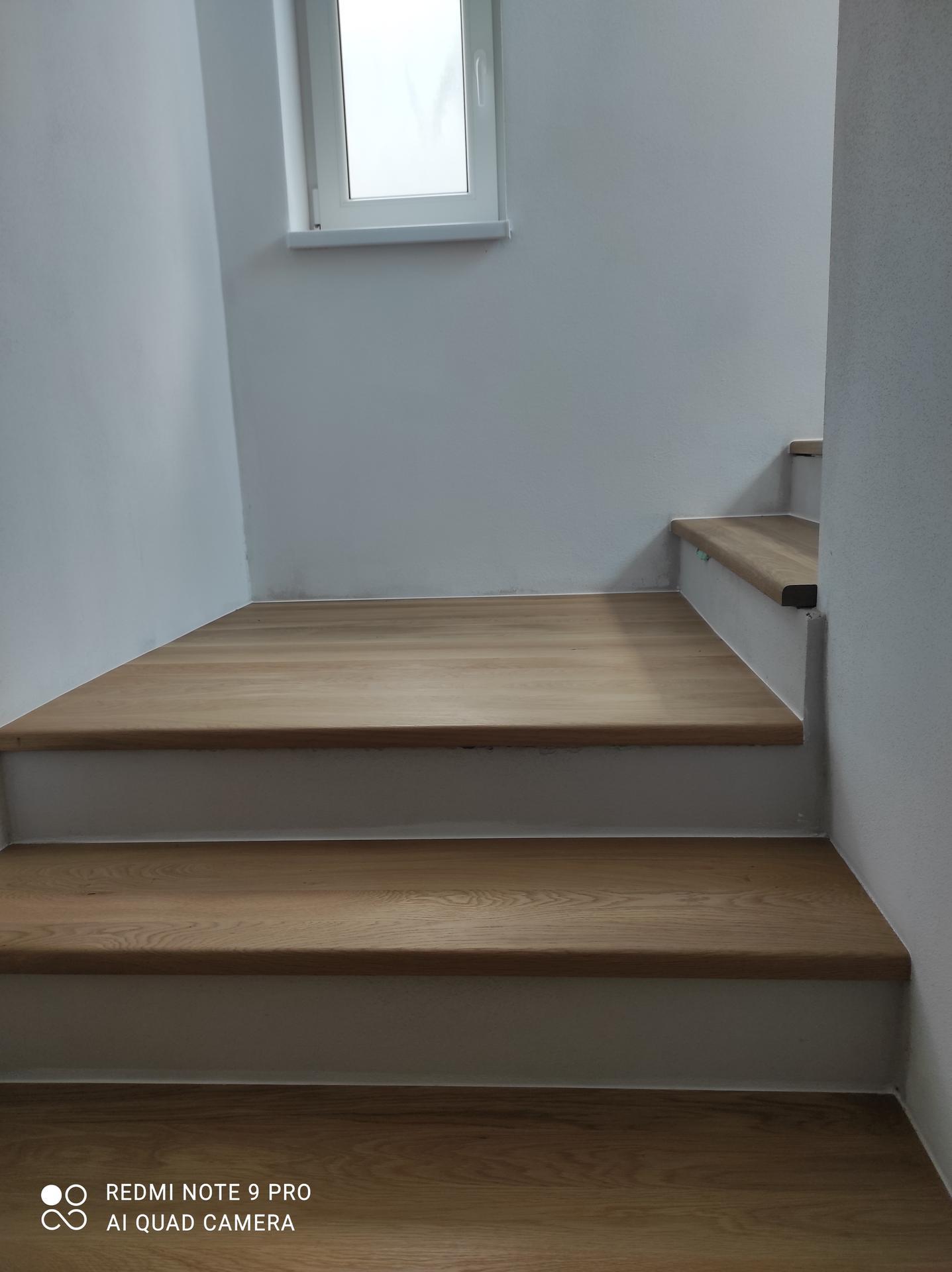 Takto nám dojezili schody... - Obrázok č. 2