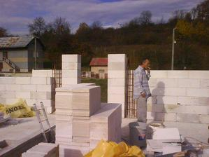 nas najlepsi stavbyveduci :-) bez neho by sme len tazko stavali