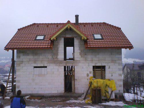 Náš domček I - hrubá stavba - uz to vyzera celkom ako dom :)