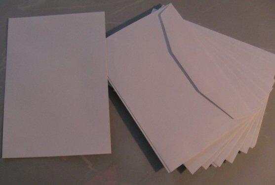 """Náš deň """"D"""" - Obálky som zohnala len takéto, nechcela som tie samolepiace ale také klasické. Tie sa vraj už ale nevyrábajú takže toto je taký kompromis"""