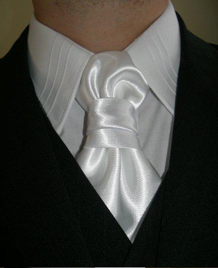 """Náš deň """"D"""" - Detail na košeľu a francúzsku mašľu"""