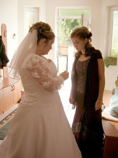 Alexandra{{_AND_}}Ivan - posledné prípravy tesne pred...a moja sestrička - bola tiež krásna