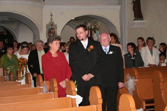 Alexandra{{_AND_}}Ivan - príchod do kostola