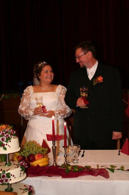 Alexandra{{_AND_}}Ivan - náš hlavný stôl, spolu s tortičkou