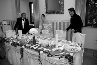 stôl pre nás a pre rodičov