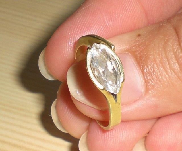 Moje predstavy a 25.10.08 skutočnosť - snubný prstienok