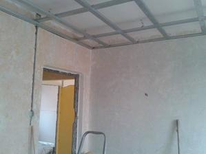 tak konečně něco budujeme a né jen pořád demolujeme i když i v tom se pokračuje ve zbylých pokojích bytu....jen náš Davídek už chtěl aspoň jeden pokoj na čisto ať je kde ukládat věci....máme velkou radost :-)
