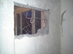 a teď to nejhorší co stálo hodně nervu ne jen mého drahého ale hlavně sousedy :-(