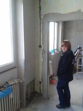 moje milovaná tchyně na obhlídce mojí kuchně ......to,, milovaná tchyně,,  nebyla ironie :-)