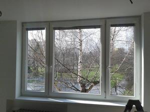 Náš výhled z okna v obýváku :-)