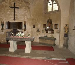Gotická kaple hradu Kost(je to jen její část...špatné foto)