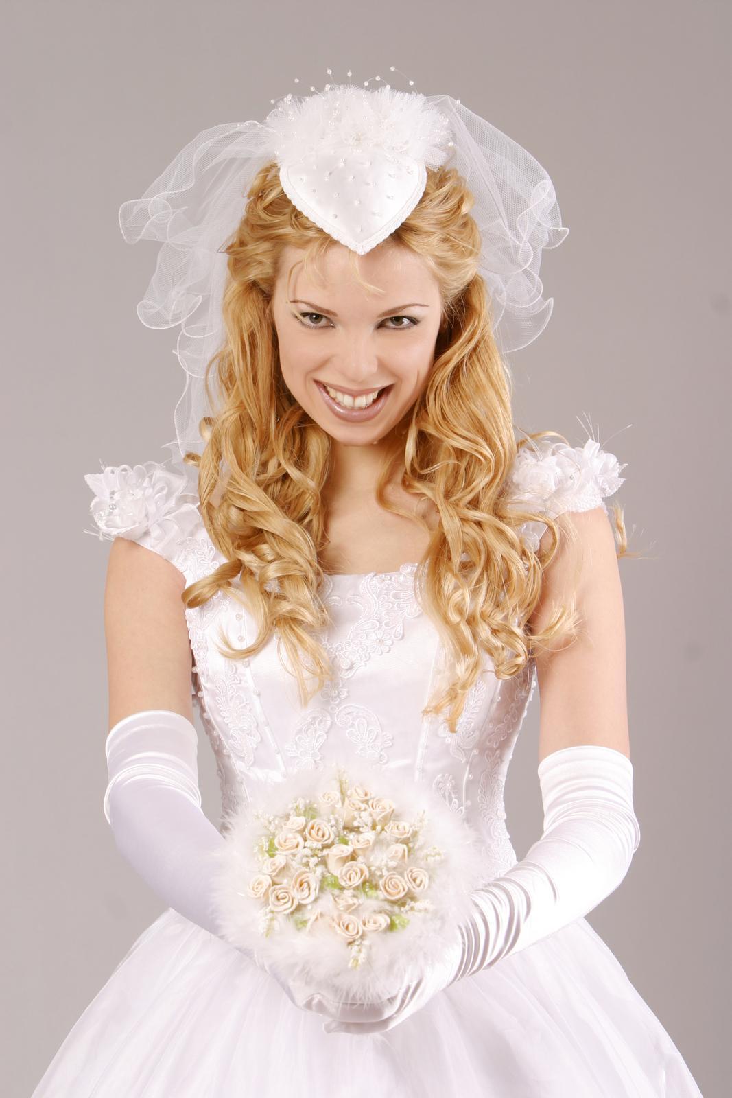 princeznovske svadobne saty - Obrázok č. 2