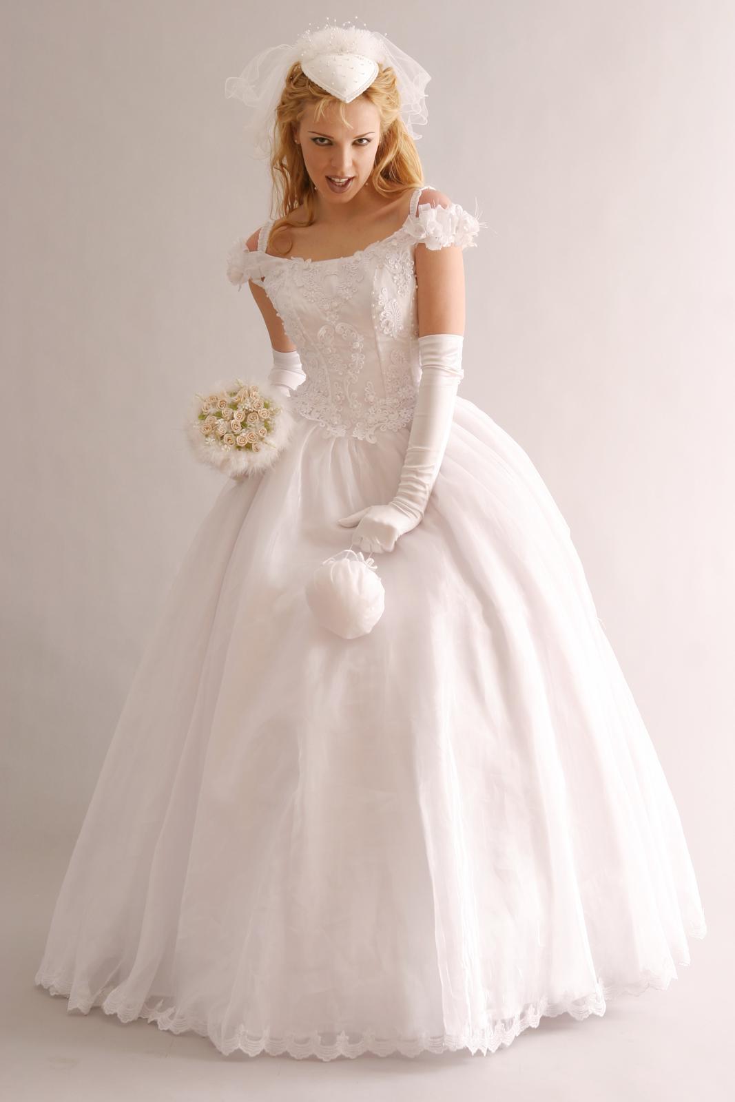 princeznovske svadobne saty - Obrázok č. 3