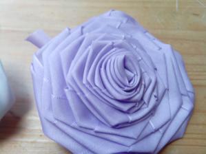 První zkouška kytky pro maminky... Nespokojenost z mé strany :-)
