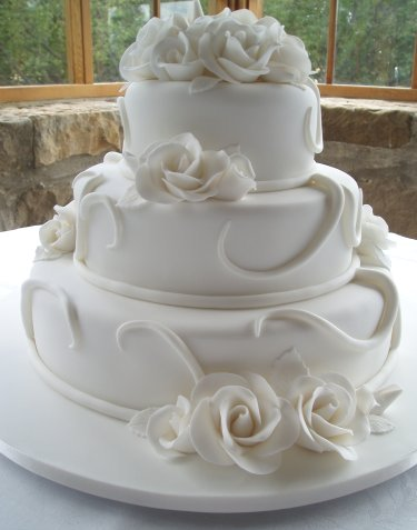 Takáto tortička sa nám pečie, len s marhuľovými kvietkami ... mňam-mňam