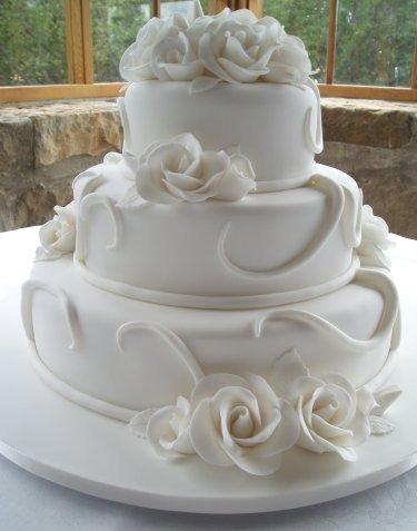 Our wedding day 10.4.2010 - Krásna tortička