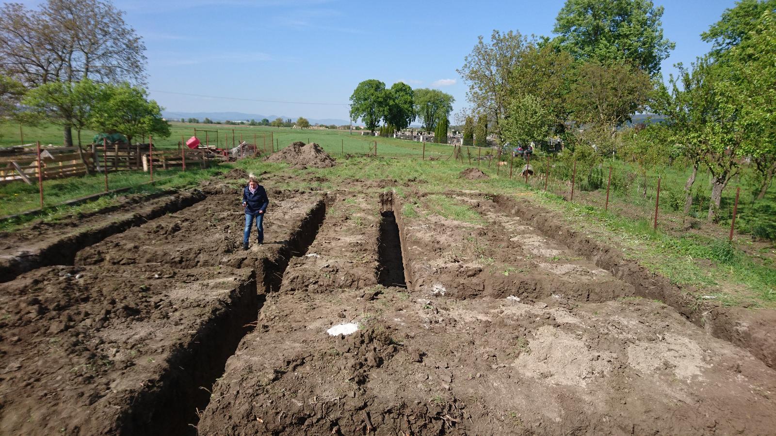 Pozemok + projekt + hruba stavba - Obrázok č. 42