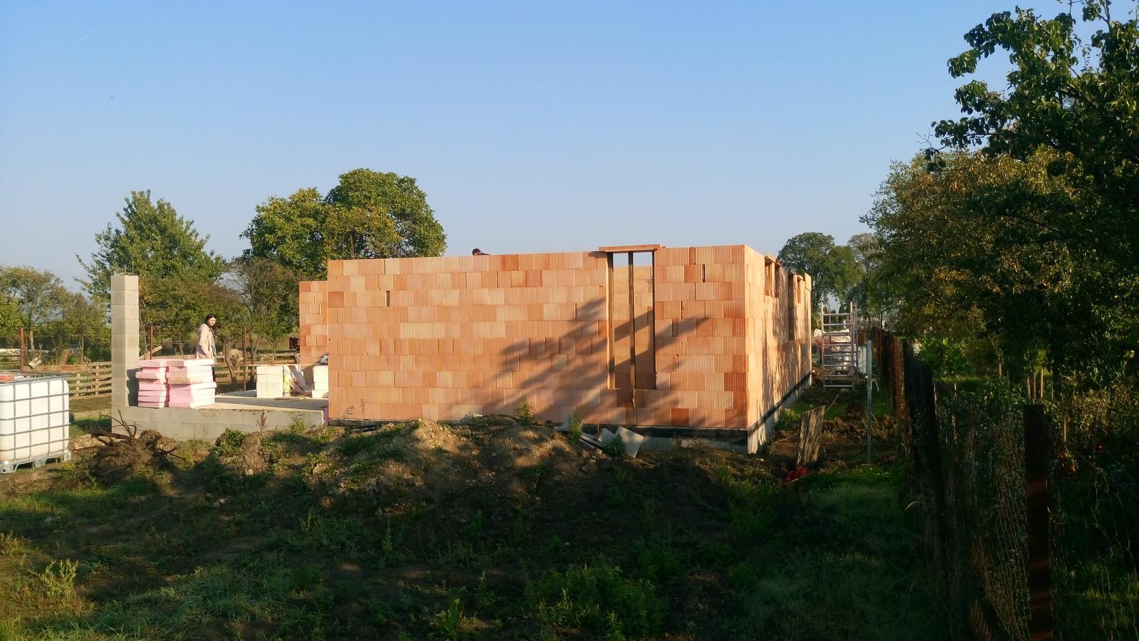 Pozemok + projekt + hruba stavba - Obrázok č. 77