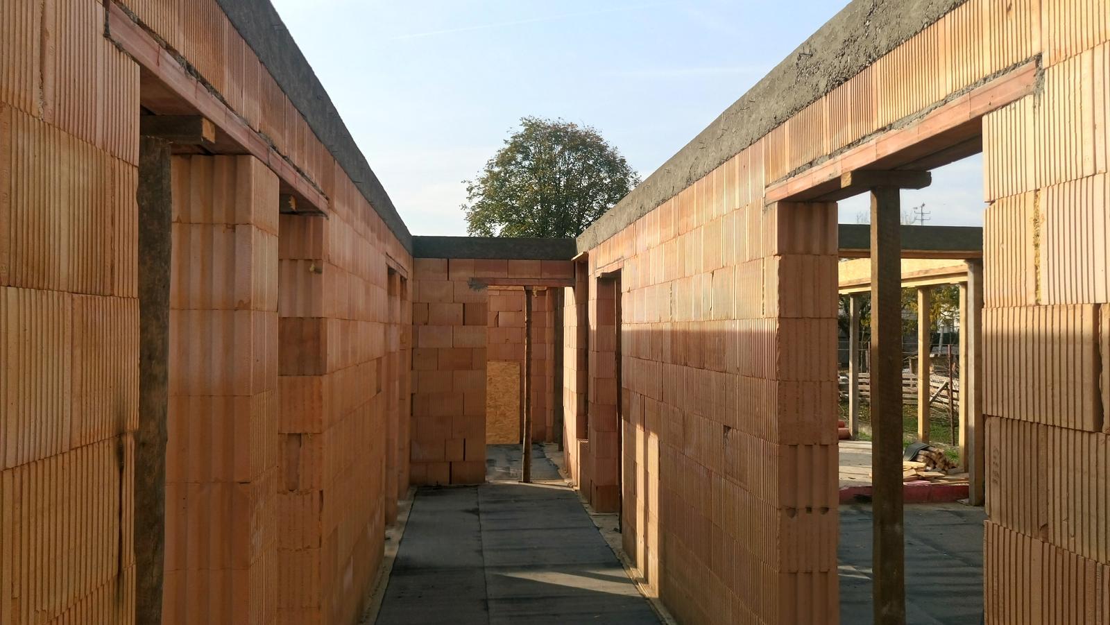 Pozemok + projekt + hruba stavba - Obrázok č. 103