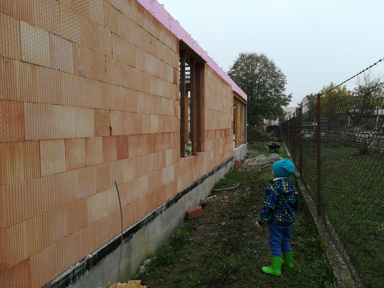 Pozemok + projekt + hruba stavba - stavebny dozor